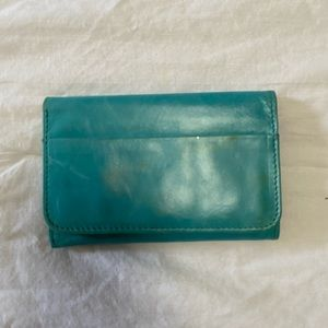HOBO Jill wallet in turquoise